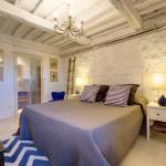 THE RETREAT a romantic bedroom in Maremma,  Cana