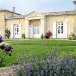 Hotel Pictures: Château Belles Graves, Néac