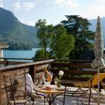 Hotel Pictures: Logis La Charpenterie, Talloires