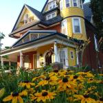 A Moment in Time Bed and Breakfast, Niagara Falls
