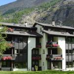 Hotel Pictures: Chalet Rustica, Saas-Almagell