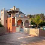 Hotel Pictures: BF Luxury Beach Villas, Polis Chrysochous