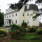Hotel Pictures: DesBarres Manor Inn, Guysborough