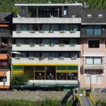 Hotel Pictures: Hotel Zum grünen Kranz, Zell an der Mosel