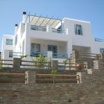 Karaoulanis Apartments, Andros