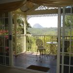 Foto Hotel: Cooroy Country Cottages, Cooroy