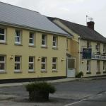 Hotel Pictures: The Hollybrook Country Inn, Carmarthen