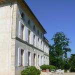 Hotel Pictures: Chambres d'Hotes A la Grande Maison, Pujols Gironde