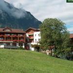 Hotel Pictures: Ferienwohnung Aeschi Park, Aeschi