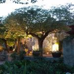 Hotel Pictures: Mas Bella Cortis, La Garde-Adhémar