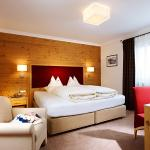 Hotel Pictures: Hotel & Chalet Madlochblick, Lech am Arlberg