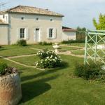 Hotel Pictures: Chambres d'Hôtes L'En Haut des Vignes, Mérignac