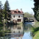 Hotel Pictures: Chambres d'Hôte Le Moulin de Fontaine, Fontaine-Française