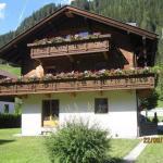 ホテル写真: Ferienwohnung Artur Wieser, Sankt Jakob in Defereggen