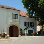 Hotellikuvia: Winzerzimmer - Weingut Tinhof, Eisenstadt