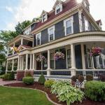 Hotel Pictures: Carriage House Inn, Fredericton