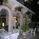 Hotel Pictures: Appart'Hôtel Les Tilleuls, Saint-Macaire