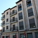Hotel Pictures: Hostal Torres, San Leonardo de Yagüe
