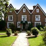 Hotel Pictures: The Boship Lions Farm Hotel, Hellingly