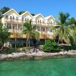 Hotel Pictures: Bluff House Beach Resort & Marina, Green Turtle Cay