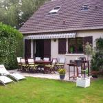 Hotel Pictures: La Couette Sous Les Bois, La Celle-les-Bordes