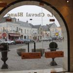Hotel Pictures: Le Cheval Blanc, Bléré