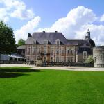 Hotel Pictures: Le Château D'Etoges - Chateaux et Hotels Collection, Étoges