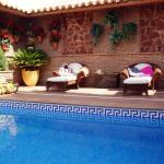 Hotel Pictures: Apartamentos Turísticos Tronca Luxury, Granada