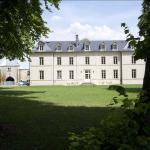 Hotel Pictures: Château De Lazenay - Résidence Hôtelière, Bourges