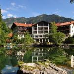 Hotel Pictures: Hotel am Badersee, Grainau