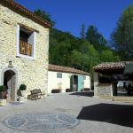 Hotel Pictures: Camping La Ferme de Castellane, Castellane