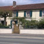 Hotel Pictures: La Maison Jaune, Bouresse