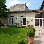 Hotel Pictures: Chambre d'Hôtes Les Tilleuls, Lucenay