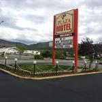 Hotel Pictures: Plaza Motel, Penticton