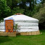 Hotel Pictures: Les cabanes perchées de Dihan, Ploemel