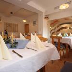 Foto Hotel: Gasthaus Backhendlstation Pfandlstubn, Enns