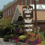 Hotel Pictures: Pillar and Post Inn & Spa, Niagara on the Lake