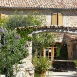 Hotel Pictures: La Ferme du Petit Segries, Moustiers-Sainte-Marie