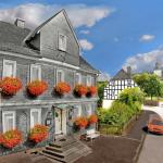 Hotel Pictures: Hotel-Pension Haus Erna, Bad Berleburg