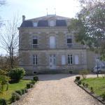 Hotel Pictures: Chambres d'Hôtes du Jardin, Montendre