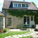 Hotel Pictures: Alice's Cottage, Bourron-Marlotte