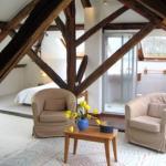 Hotel Pictures: La Maison Bleue, Crugny