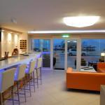 Sunrise Hotel, Sarti