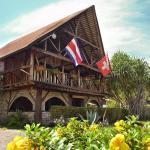 Hotel Pictures: Hotel Suizo Loco Lodge & Resort, Cahuita