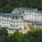 Hotel Pictures: Tiara Château Hôtel Mont Royal Chantilly, La Chapelle-en-Serval