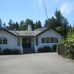 Hotel Pictures: La Rosetta B&B, Qualicum Beach
