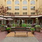 Hotel Pictures: Harrison Lake Hotel, Harrison Hot Springs