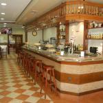 Hotel Pictures: Bar Pensión Restaurante Bidasoa, Irún