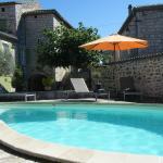 Hotel Pictures: Mas Des Ayres, Auriolles