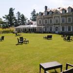 Hotel Pictures: Domaine De Valaudran - CHC, Salbris